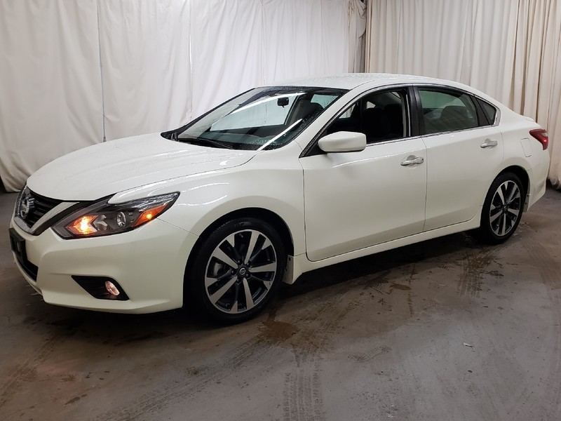 pre-owned 2017 nissan altima 2.5 sr sedan in north little rock