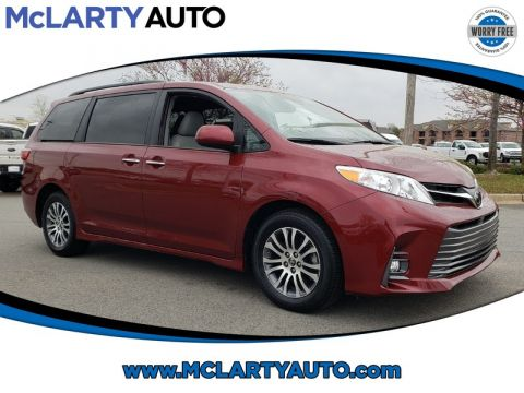 Pre-Owned 2020 TOYOTA SIENNA XLE FWD 8-PASSENGER
