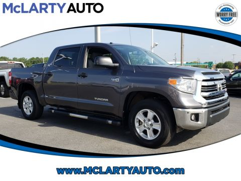 Pre-Owned 2017 TOYOTA TUNDRA SR5 CREWMAX 5.5' BED 5.7L FFV